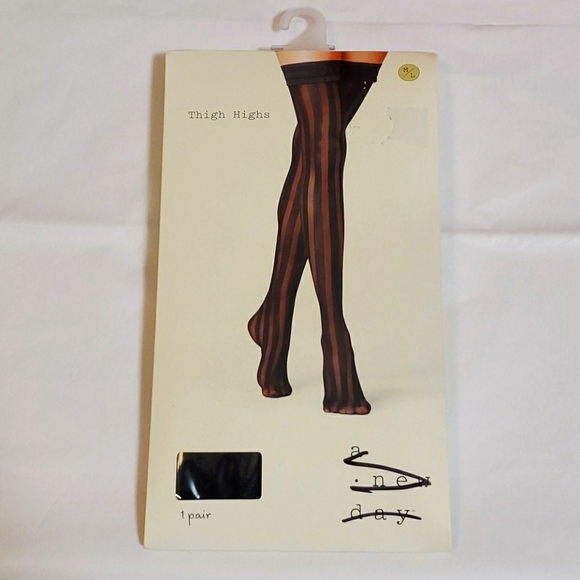a new day thigh highs size M/L